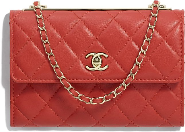 46216cb5313ad0 Until yesterday, there was only one size of the Trendy CC Flap Bag. But  that record has been changed since today, the Chanel Trendy CC Clutch With  Chain is ...