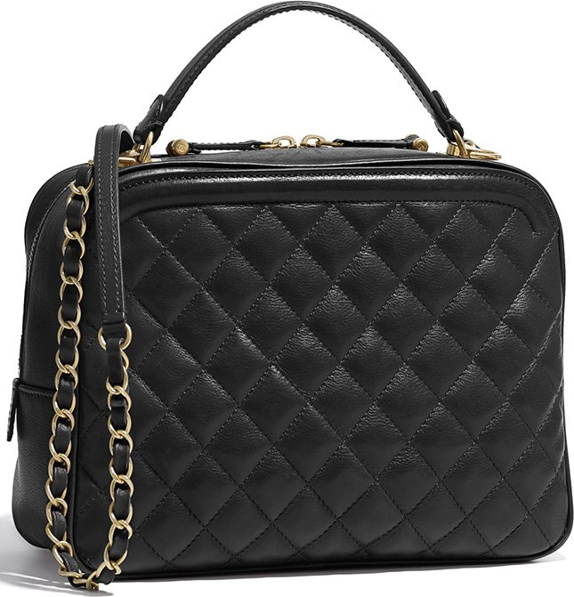 b3657fd155cb Let's take a closer look at the Chanel CC Vanity Case Bag. The first thing  we notice is the bubbly diamond quilting. We love the bubbly quilting  because it ...