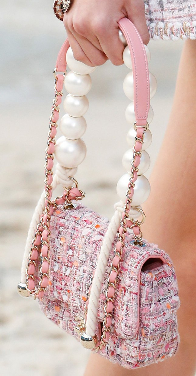 1c42e96602e More Images And Colors. Pictures courtesy of  Vogue · Chanel Spring Summer  2019 RunwayChanel Spring Summer 2019 Runway Bag CollectionChanel ...