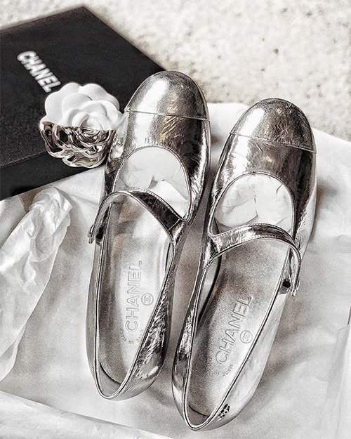 Chanel Mary Jane Shoes thumb
