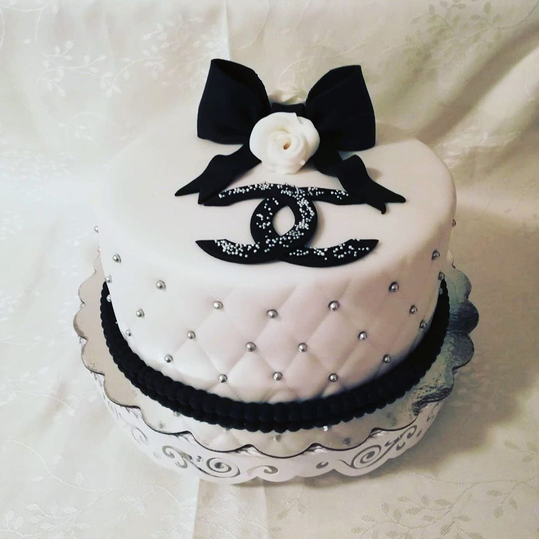 Most Delicious Chanel Purse Cakes And How To Make it