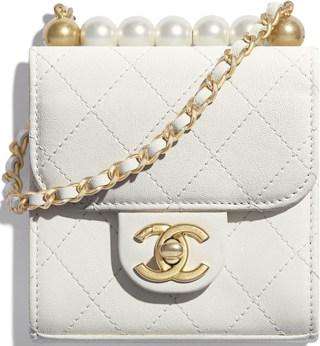 Chanel Pearl Short Handle With Chain Clutch