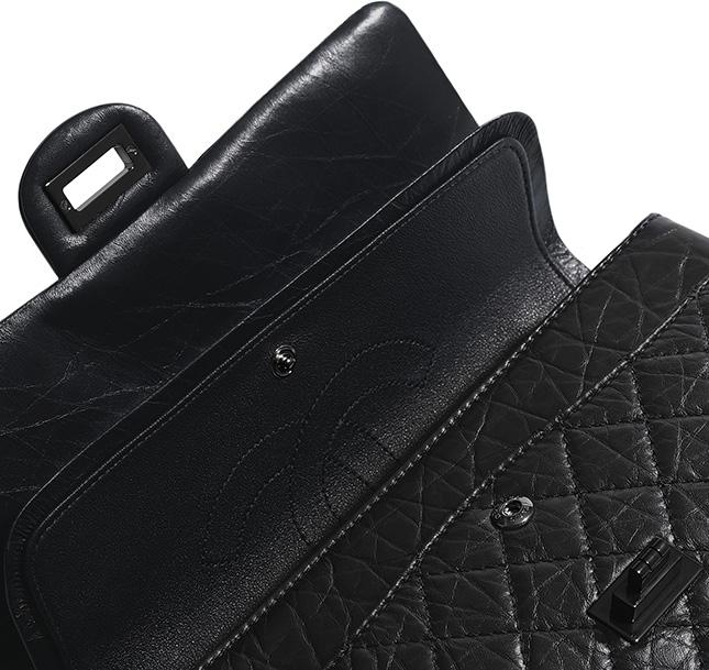 Chanel So Black Reissue . Bag