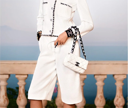 Chanel Classic Bag in White And Black Hardware thumb