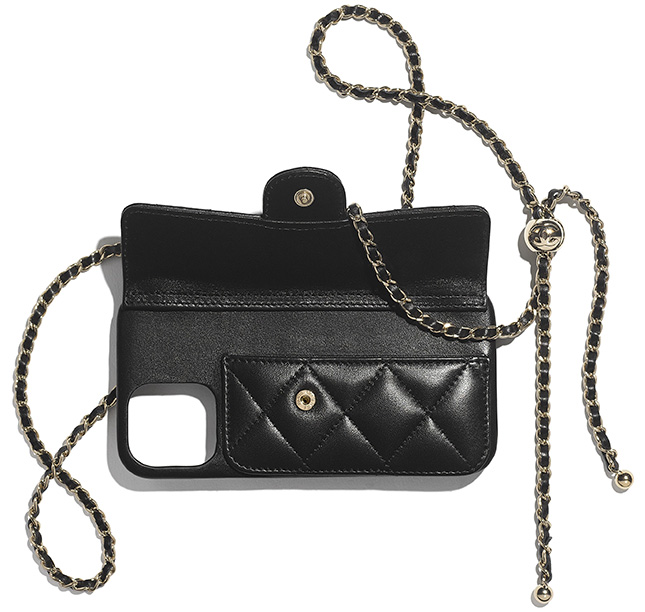 Chanel iPhone Classic Case With Chain